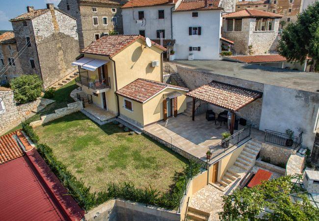 in Višnjan - Stellar House