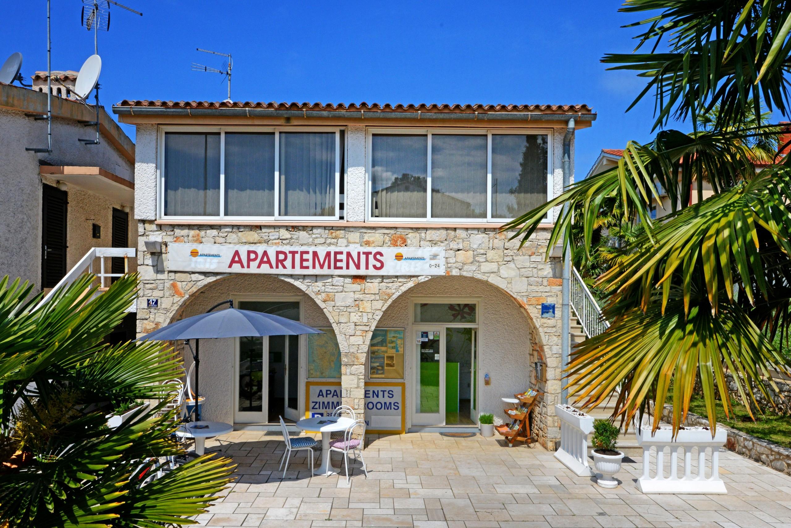 Appartamenti in porec apartment iris ii for Camere a porec