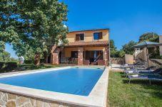 Villa in Bacva - Villa Hrast Bacva